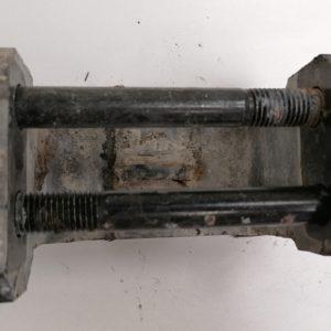 Scania, stabilisaatorvarda kinnitus klamber